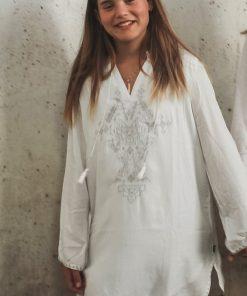 abalulu me & mi girl's white galabia with silver embroidery . אבלולו גלבייה לבנה לבנות עם רקמה בכסף